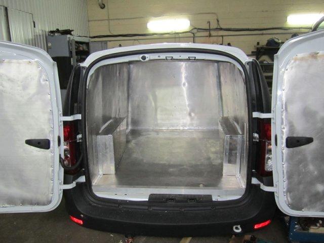 Лада Ларгус с утеплением грузового отсека (внутренняя отделка-пищевой алюминий) и рефрижераторной установкой Terra Frigo S-10